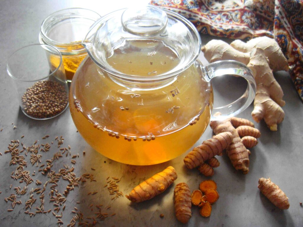 Ajurwedyjska herbata detoksykująca z imbirem i kurkumą